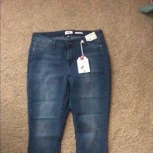 YMI Mid-Rise Skinny jeans